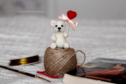 мишка белый игрушка